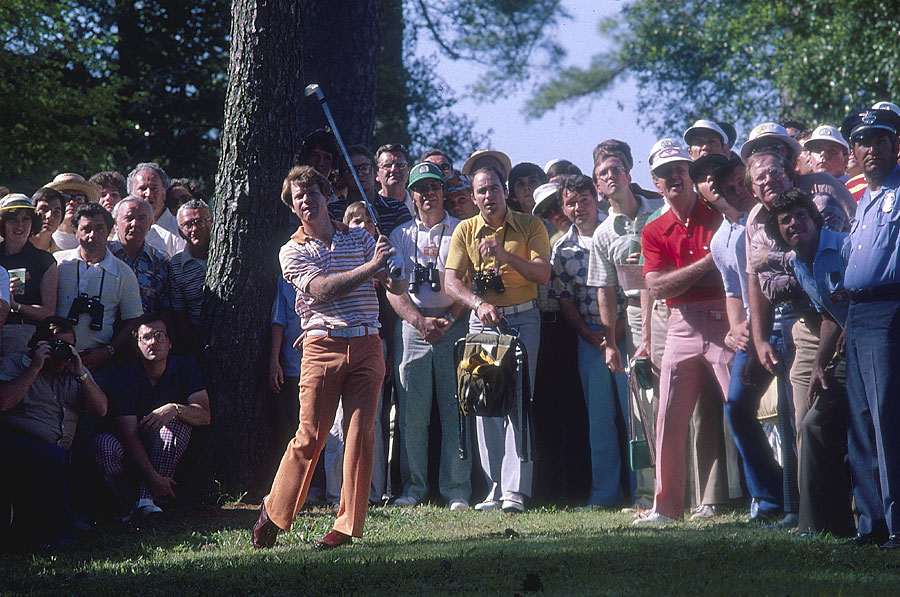 Tom Watson shot a final-round 67 to defeat Nicklaus by two strokes at the 1977 Masters.
