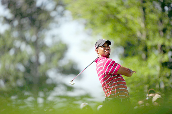 Despite his year-long struggles and disappointing finish this week, Woods still has a tenuous hold on the No. 1 ranking.