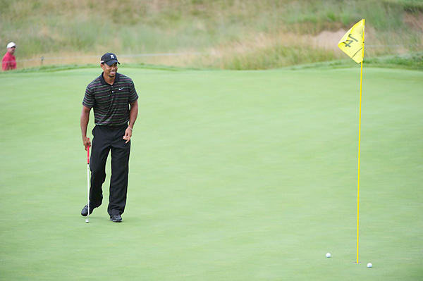 At the British Open, Woods switched from the Scotty Cameron putter he had used most of his career to a Nike Method 001 putter, but by tournament's end had switched back.
