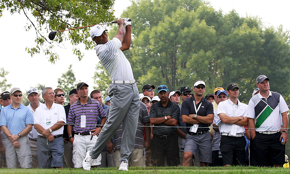 Tiger Woods got off to a slower start in the second round than he did in Thursday's first round.