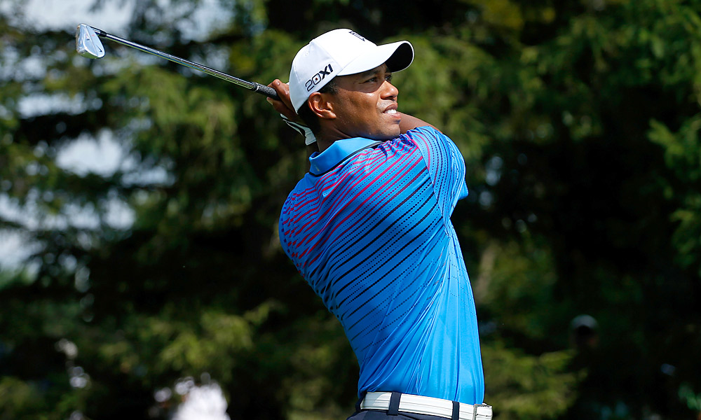 Tiger Woods got off to a hot start in the first round at the BMW Championship, shooting a seven-under 65.