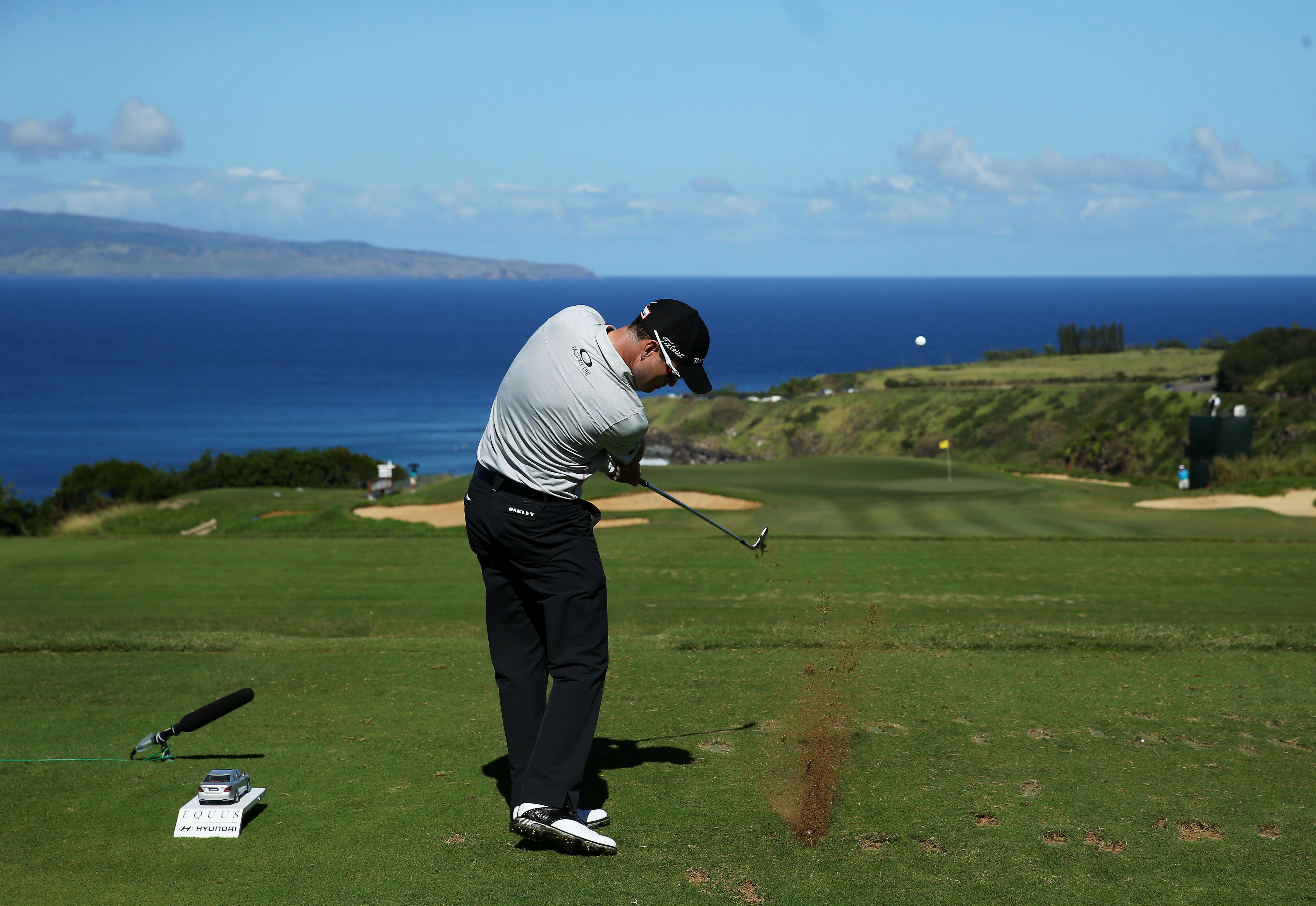 Zach Johnson is in a four-way tie with Jimmy Walker, Russell Henley and Sang Moon Bae after two rounds at the Tournament of Champions.
