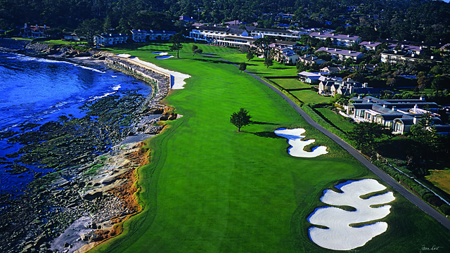 A wide shot of the par-5 18th at Pebble Beach.