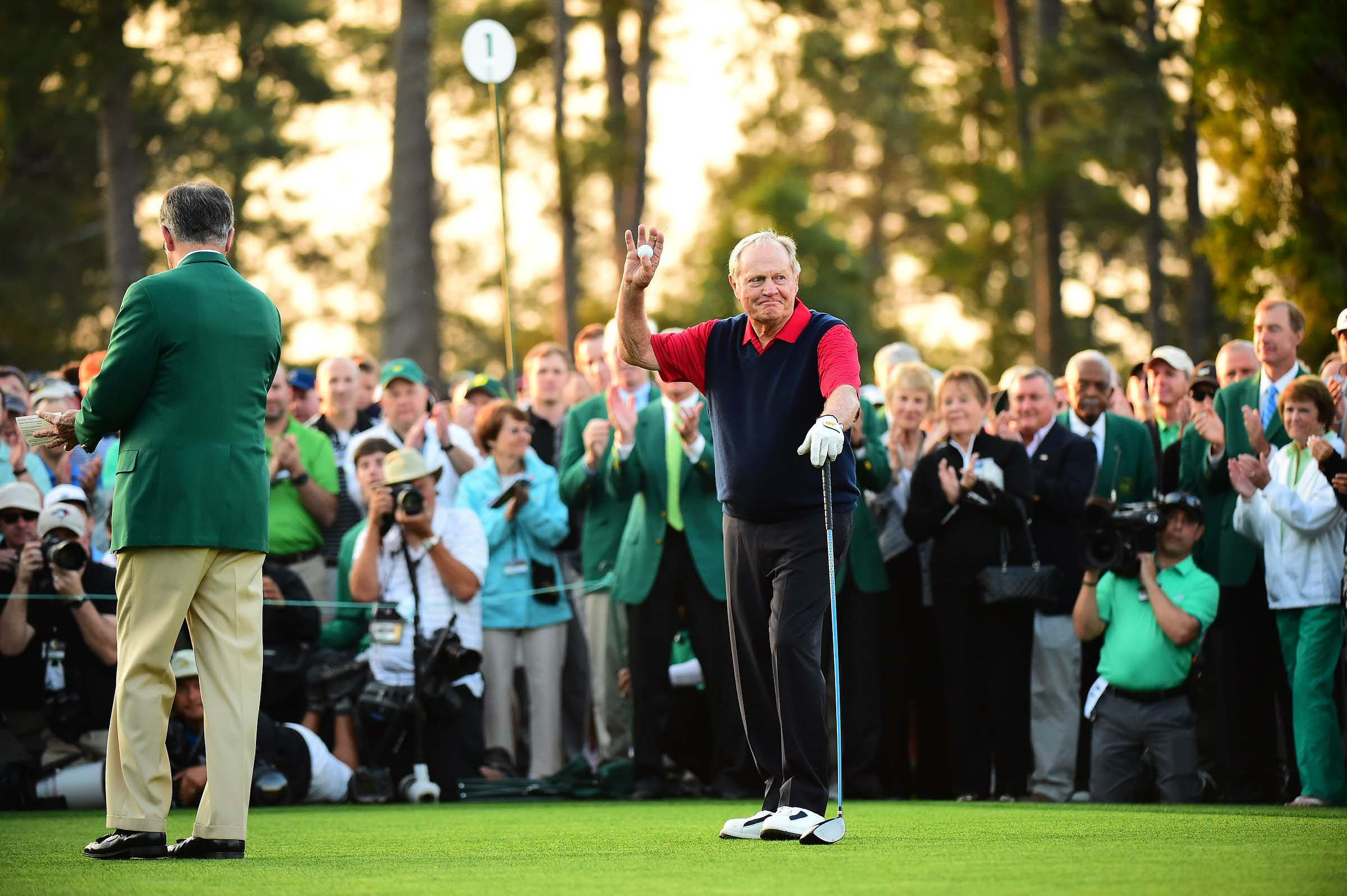 Jack Nicklaus waves to the crowd on the first tee.