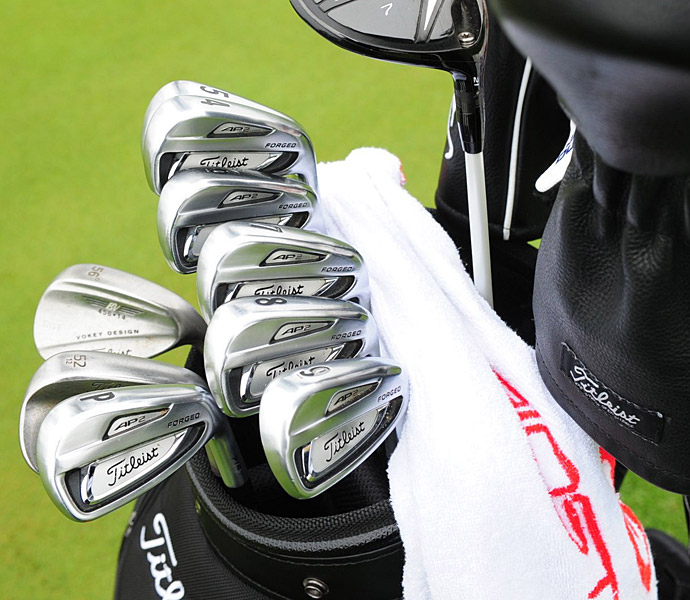 Jason Dufner plays Titleist AP2 irons.