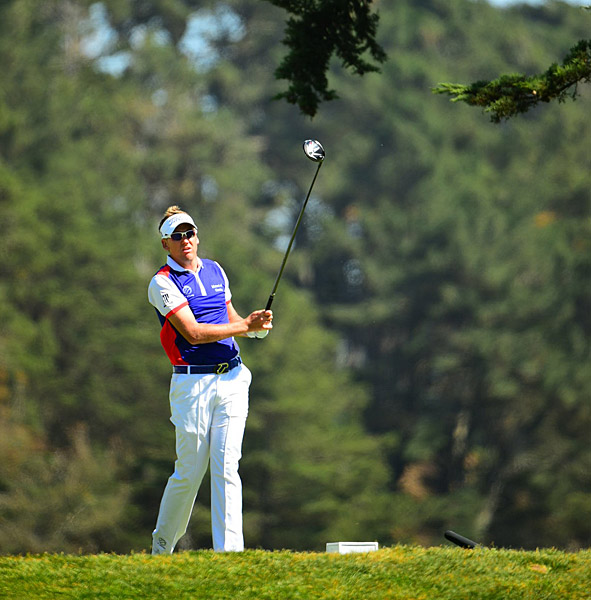Ian Poulter lost to Gary Woodland 3 & 2, falling to 0-2 for the tournament.