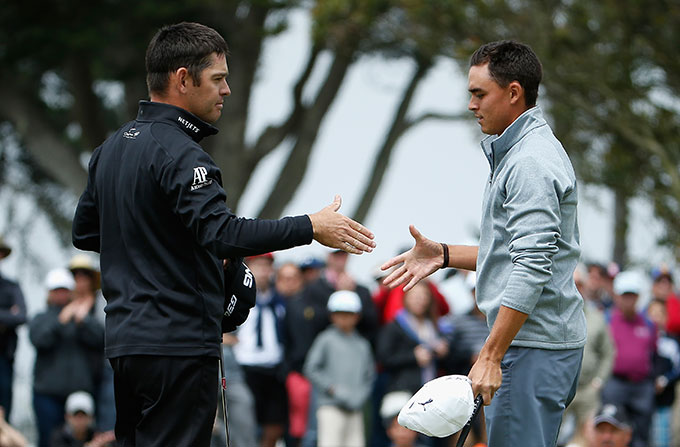 Louis Oosthuizen defeated Rickie Fowler 1 UP.