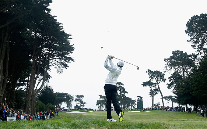 Rory McIlroy defeated Hideki Matsuyama 6&5 to advance to the quarterfinals.