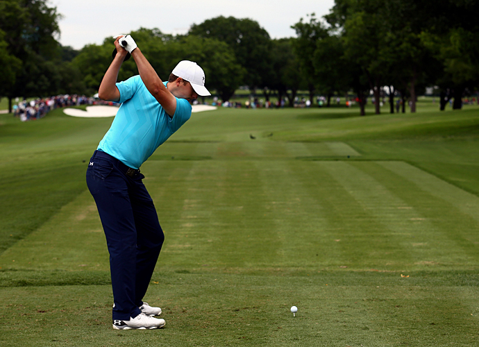 Spieth fired a six-under 64 to get into a four-way tie for the lead.