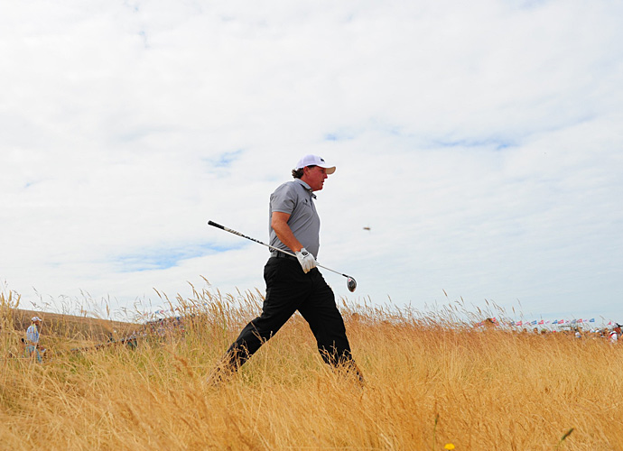 Phil Mickelson started off hot and finished with a one-under 69.