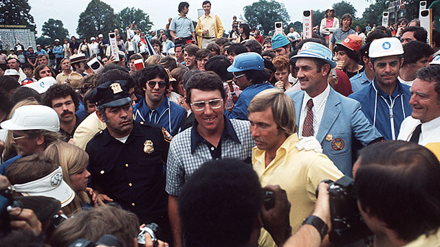 Fezler (in yellow) was runner-up to Irwin at the 1974 U.S. Open, known as the Massacre at Winged Foot.