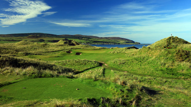 A view of the par-3 14th hole at Machrihanish Dunes Golf Club in Scotland.