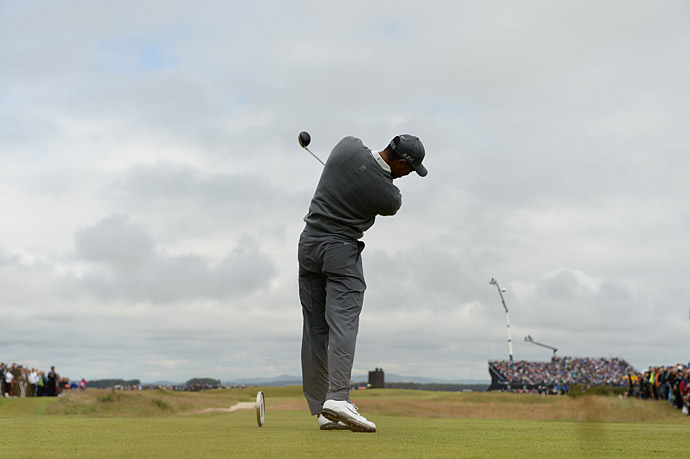 Tiger Woods struggled yet again in his first round at the Old Course.