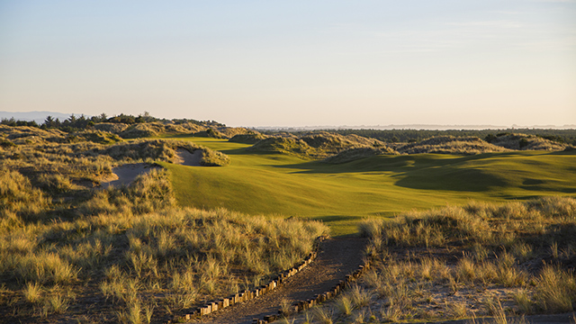 Bandon Trails was designed by Bill Coore and Ben Crenshaw in 2005.