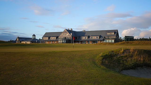 The Lodge is just a stone's throw from Bandon Dunes' original golf course.