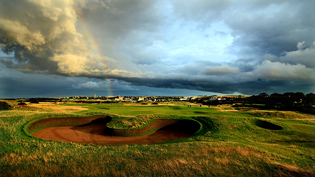 After a baggage snafu, Assell missed a tee time at the Old Course.