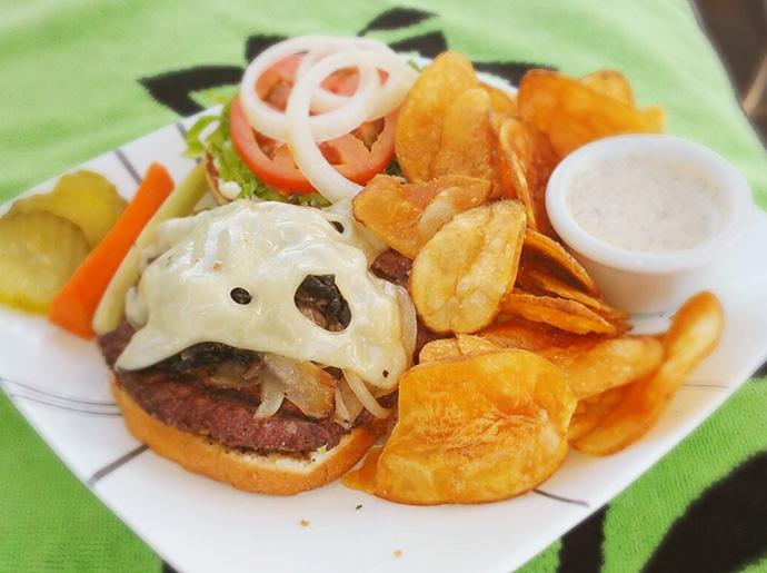 The Maui Mush Swiss Burger from Puakea Golf Club.