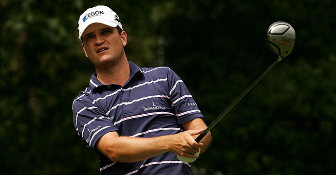 Zach Johnson watches his tee shot on the 4th hole during the final round of the 2007 TOUR Championship.