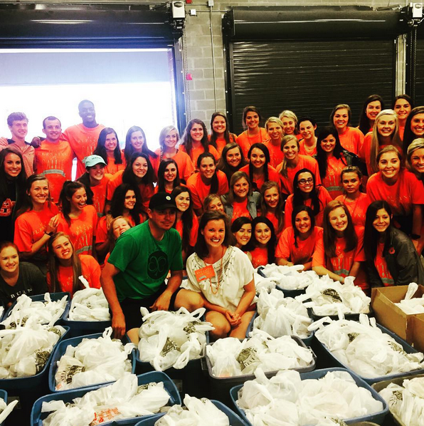 Thursday the @jasondufnerfoundation was packing 1200 food bags for kids in Lee county. Want to thank all those with @Beablessingwithcallie and @Calliebarganier for helping us. With out volunteers none of this would be possible. Thanks so much. #wareagle