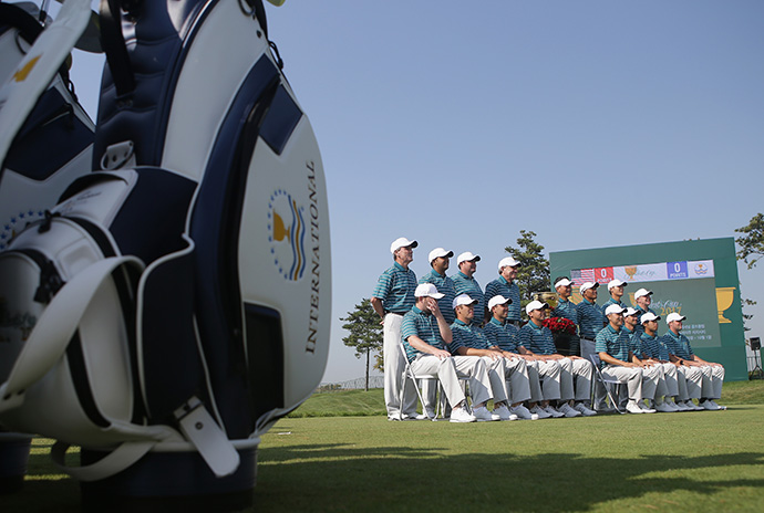The International team poses for a team photo ahead of the 2015 Presidents Cup.