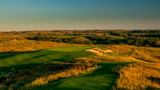 Tatanka Golf Club, in Nebraska, is surrounded by the raw beauty of rolling prairie.