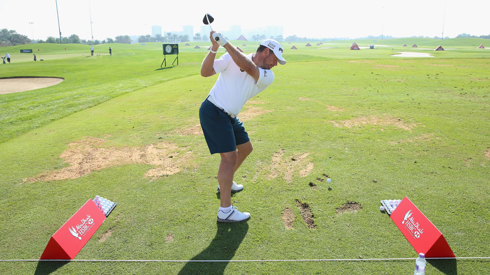 Lee Westwood tees off during practice prior to the 2016 Abu Dhabi HSBC Golf Championship.