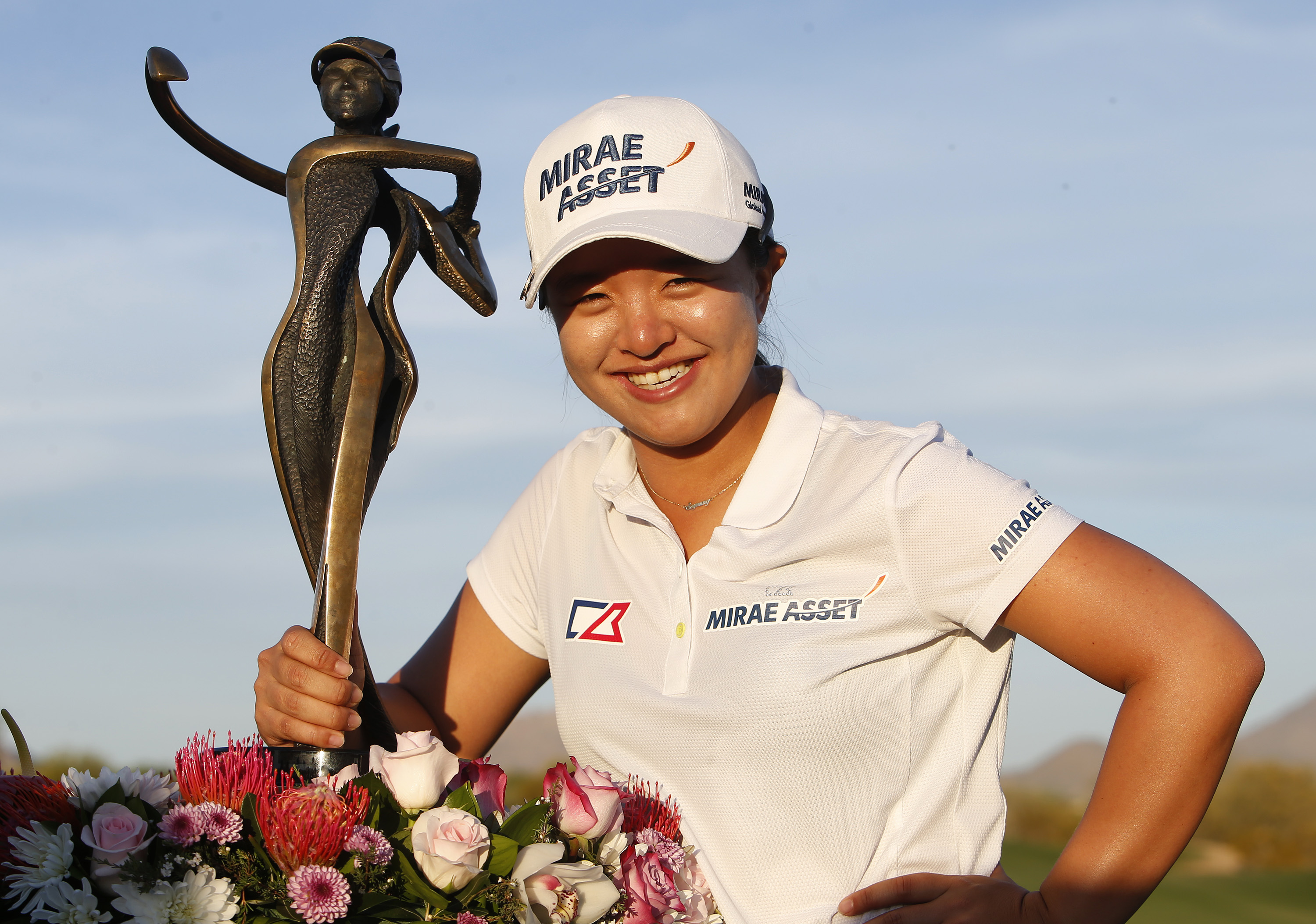 Kim Sei-young, of South Korea, poses with the trophy after winning the JTBC Founders Cup golf tournament, Sunday, March 20, 2016, in Scottsdale, Ariz. (AP Photo/Rick