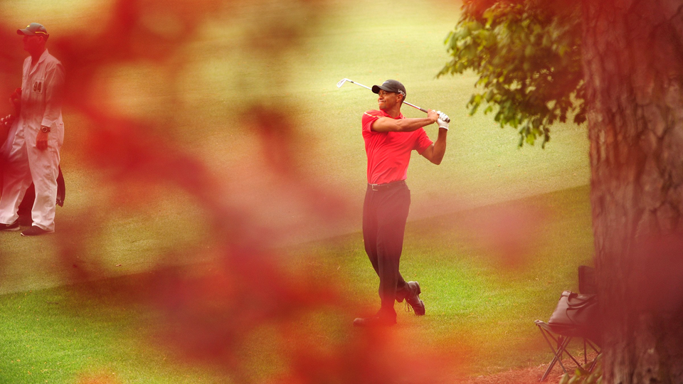 Tiger Woods watches his shot during the fourth round of the 2015 Masters.