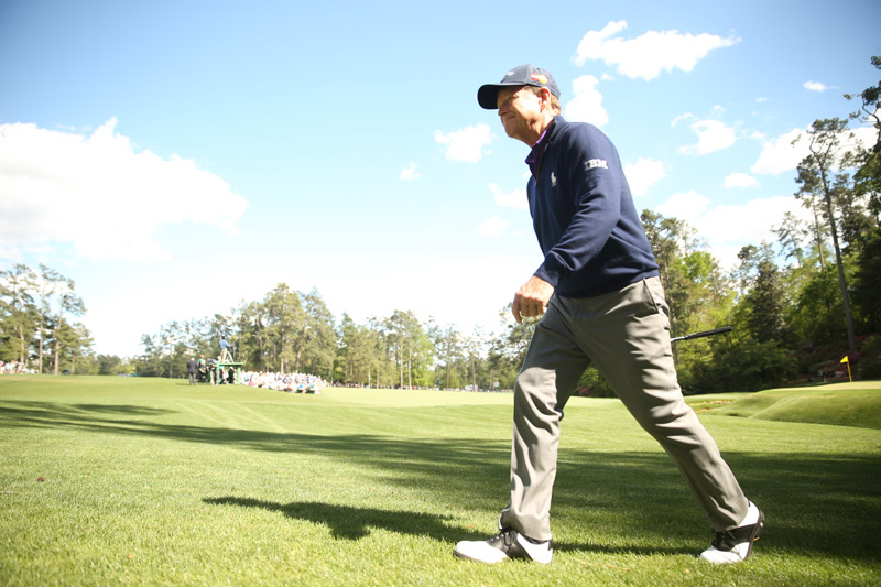 Tom Watson bid farewell to Augusta after finishing the final Masters round of his career on Friday.