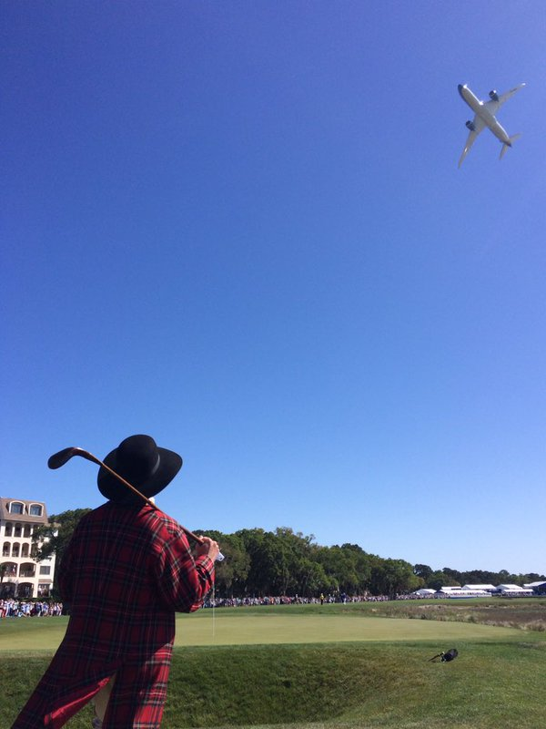 Sir Willie watches the Dreamliner during the Round 3 flyover.