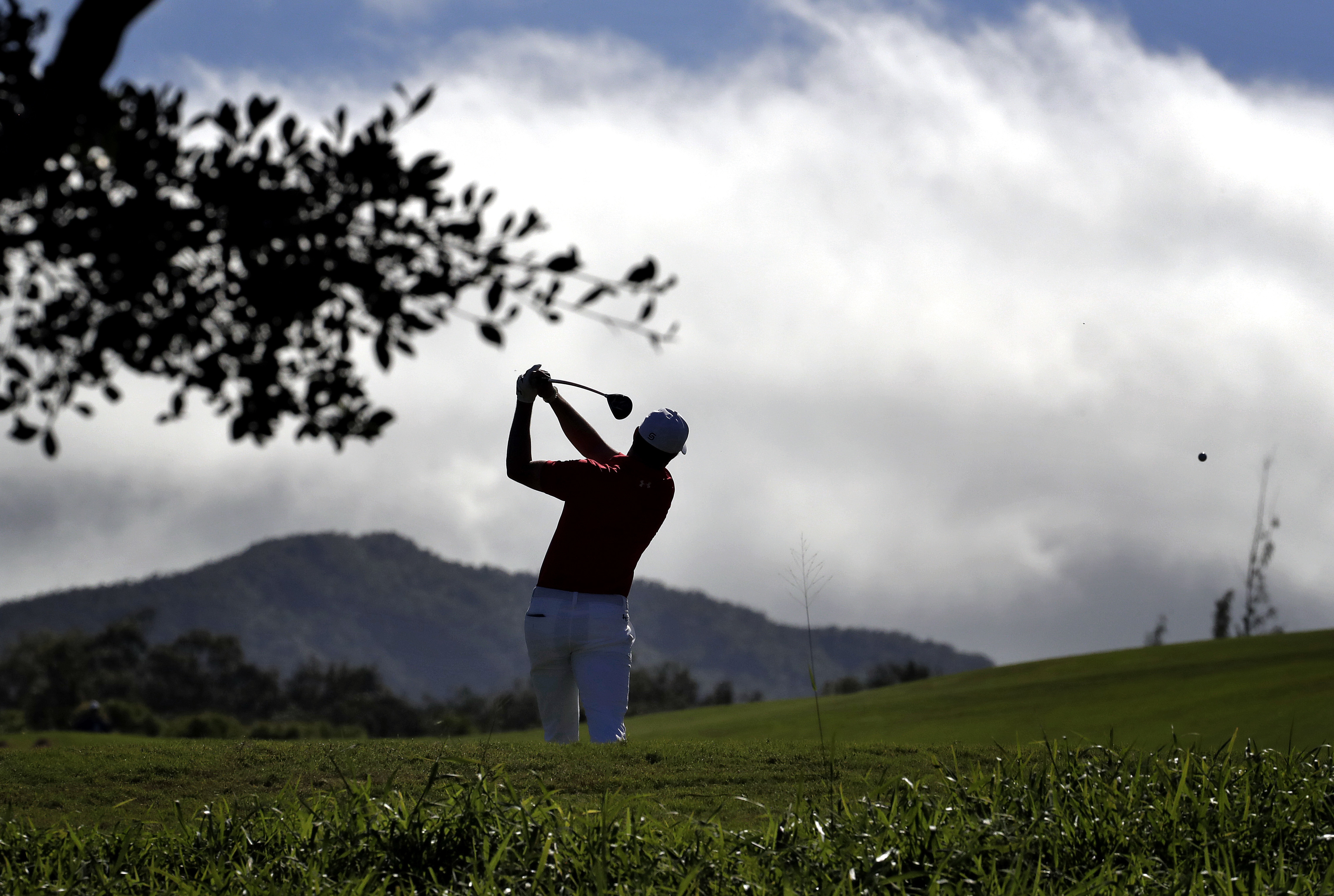 Jordan Spieth hits from the fourth tee during the second round of the Tournament of Champions golf event, Friday, Jan. 6, 2017, at Kapalua Plantation Course in Kapalua, Hawaii. (AP Photo/Matt