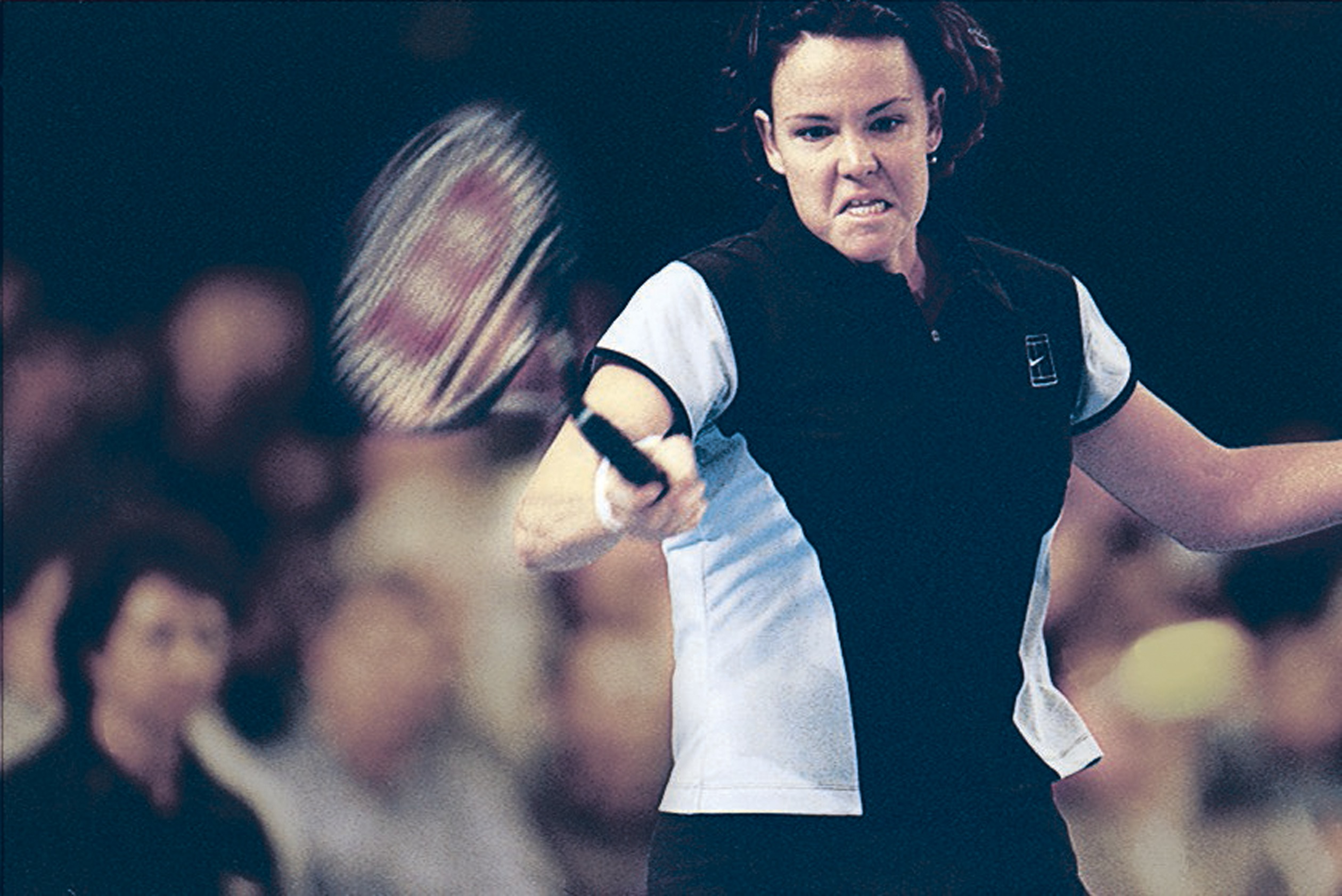 Lindsay Davenport and Martina Hingis met in the final for the second straight year and once again Davenport prevailed.