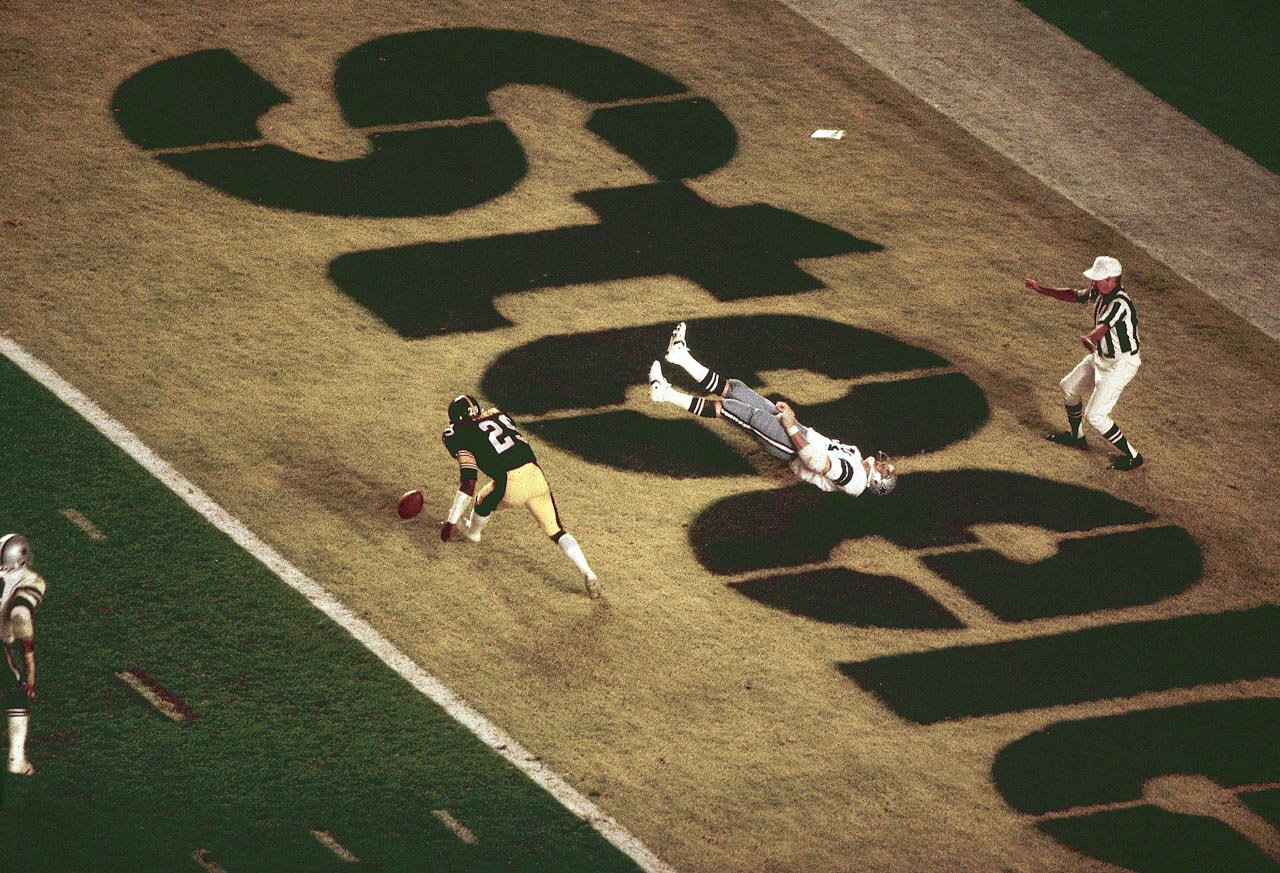Dallas Cowboys tight end Jackie Smith flops in the end zone after dropping what would have been a game-tying touchdown. Dallas had to settle for a field goal en route to losing, 35-31, to the Pittsburgh Steelers.