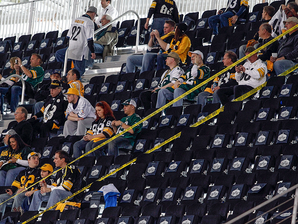 It looked like a new Super Bowl attendance record was going to be set in 2011 — until 1,250 temporary seats at Cowboys Stadium were declared unusable. Many fans were relocated, but 400 had to watch on TVs. (They received refunds of three times the value of their tickets.) So a crowd of 103,219 saw the Green Bay Packers beat the Steelers, or 766 fewer than witnessed Super Bowl XIV.
