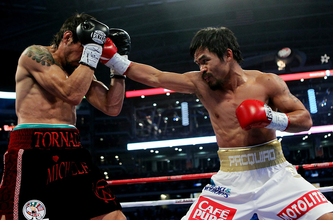 Pacquiao outpointed Margarito for the vacant WBC super welterweight championship before 41,734 fans at Cowboys Stadium. The victory gave the Filipino an eighth world title in eight different weight classes (from 112 to 154 pounds).