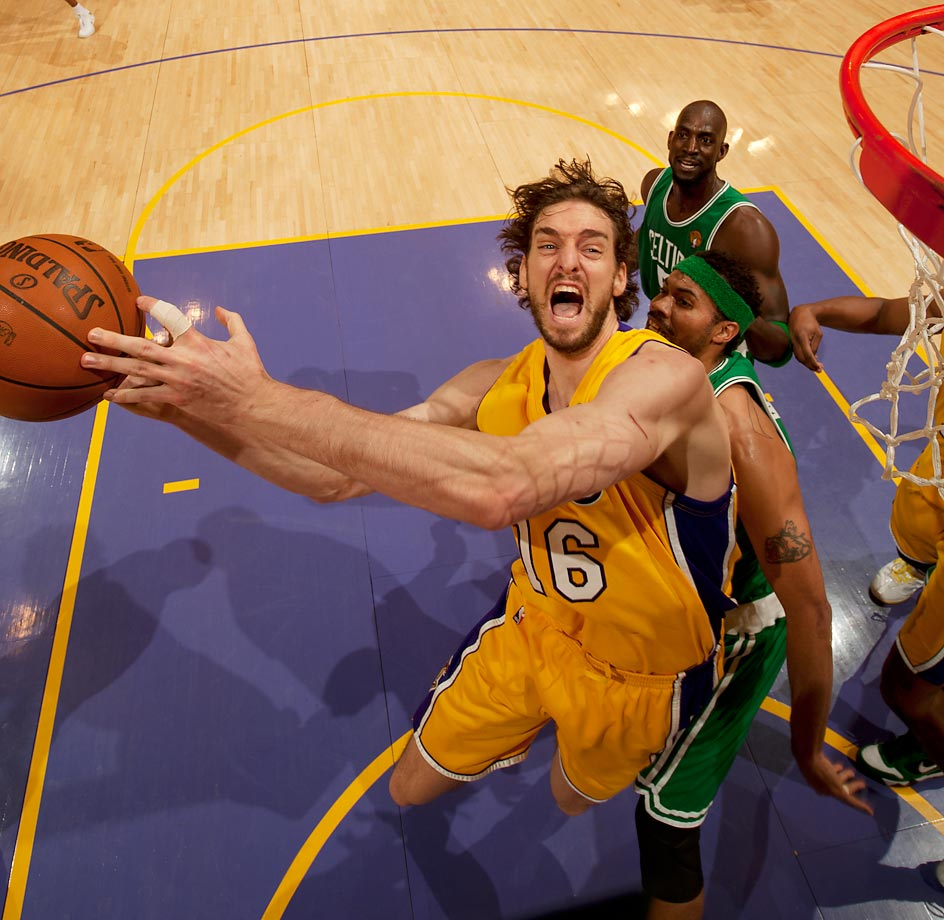 Pau Gasol owned the paint in Game 7 with 19 points and 18 rebounds to push the Lakers to an 83-79 win.