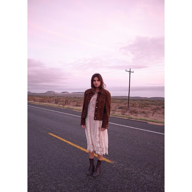 Road tripping with @harpersmithphoto #thetexassessions