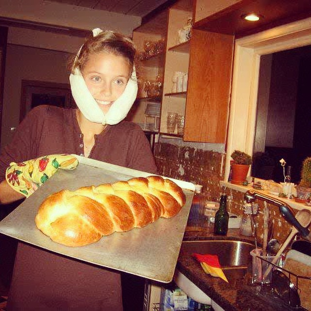 Throwback to when I had my wisdom teeth taken out and baked some challah. Yep.