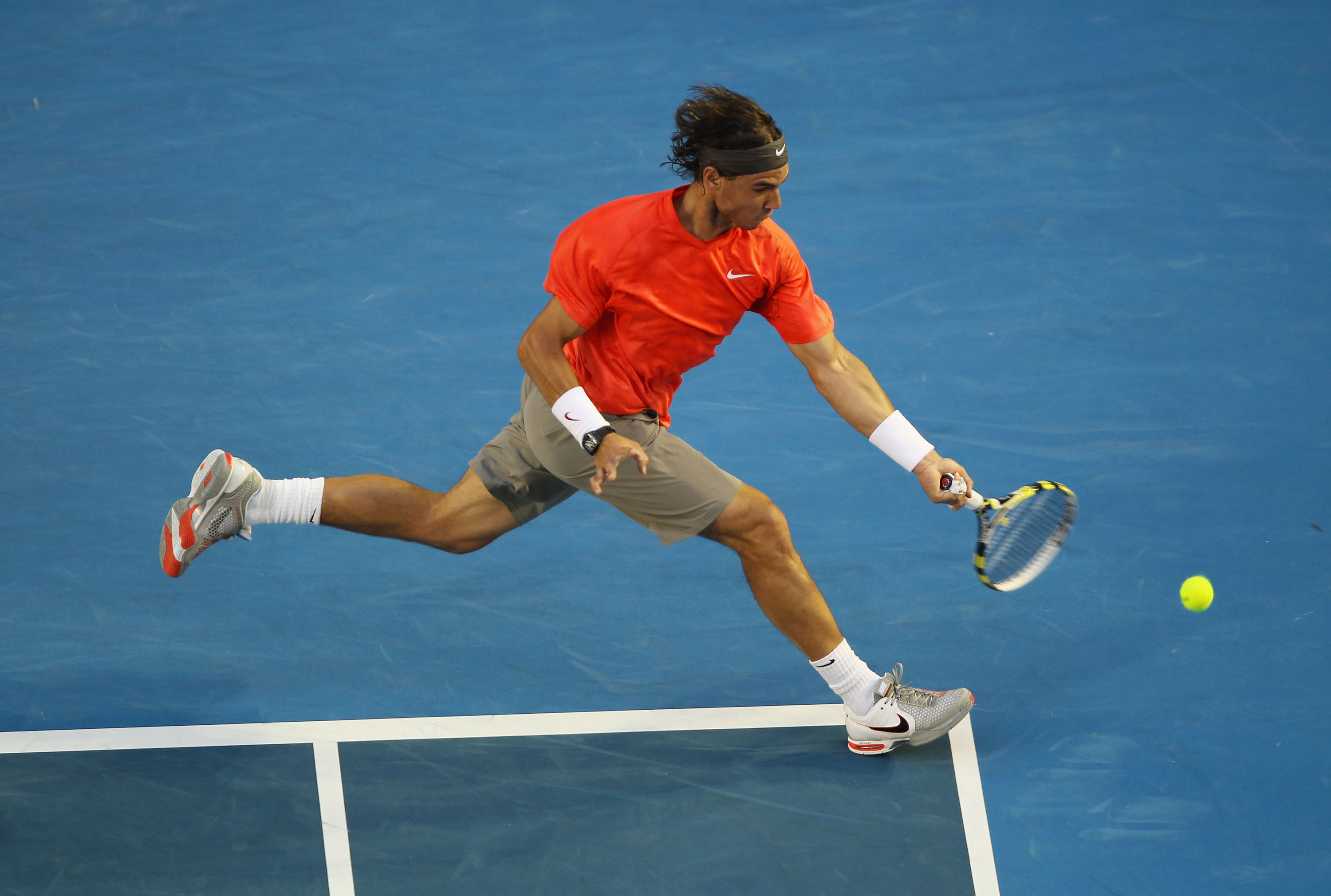 Nadal ended up tearfully losing to David Ferrer in the quarterfinals at this Australian Open, but all we can remember is his distractingly large t-shirt.