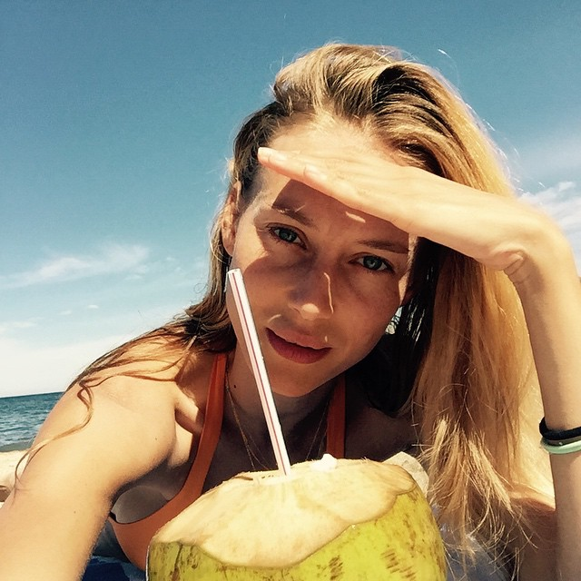 Love coconut water!. Q maravilla poder beber agua de coco natural. #healthylife #sayulita #mexico