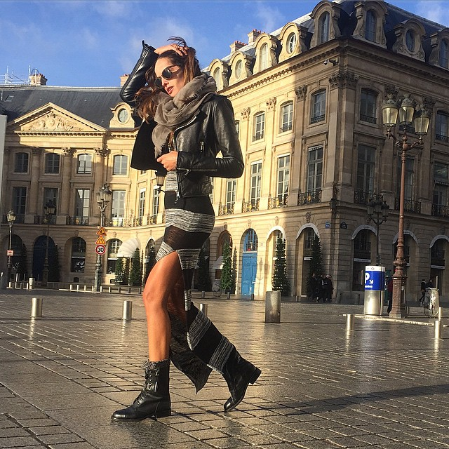 Bonjour Paris!! Heading to work! Bom dia!! Trabalhando! #paris #ootd #style #comfy #cool #streetstyle #haveaniceday