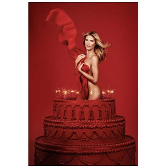 10 Jahre GNTM – das muss gefeiert werden & da darf eine Torte natürlich nicht fehlen… #GNTM