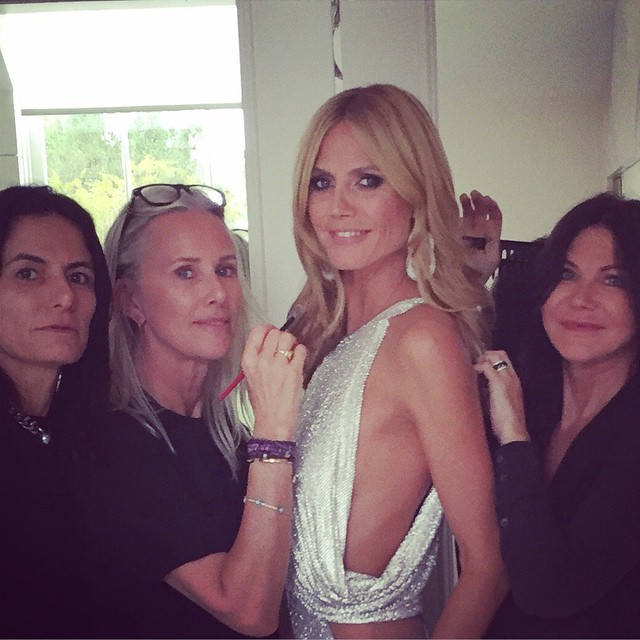 Getting ready to head out to the #eltonjohn #oscar party @missnewbark @lindahaymakeup @wendyiles @tombachik @versace_official @lorraineschwartz