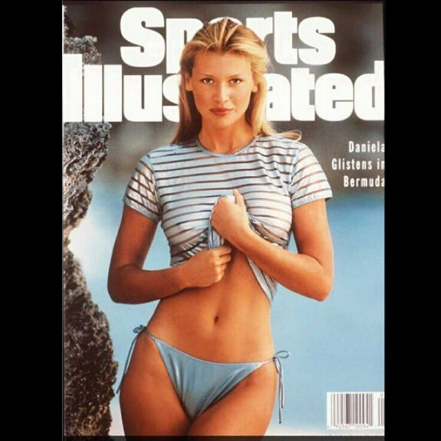 #tbt My first ever shoot for SI and I got the cover! in 1995. Shot in Bermuda by Mike Reinhardt under the watchful eye of the unforgettable Jule Campbell. Didn't know what hit me, had no idea what a big deal this was. Since then I was lucky enough to be part of this iconic issue and enjoy many great trips. Thank you SI emoji #SI #Sportsillustrated #campbell #elainefarley #dianesmith @mj_day #swim #beach #bikini #getaway