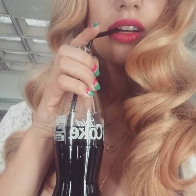 Diet coke break #dietcoke #blondie #dutchie