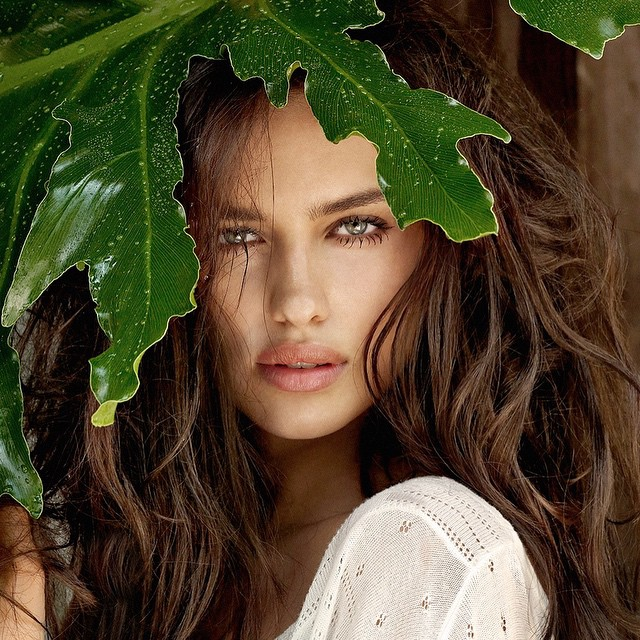 #WCW @irinashayk @thelionsny #throwback campaign for @guess @paulMarciano #YuTsaiPhoto props @bain192 @88phases @opusbeauty @opusreps @cartelandco
