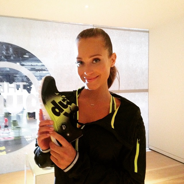 PEOPLE gabbed with @SI_swimsuit cover model @Hanni_Davis at Reebok's #getpumped event in NYC.