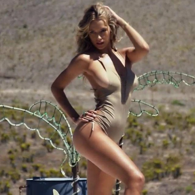 #bts of my @si_swimsuit shoot #middleofnowhere #countryside #route66 #SI #2015