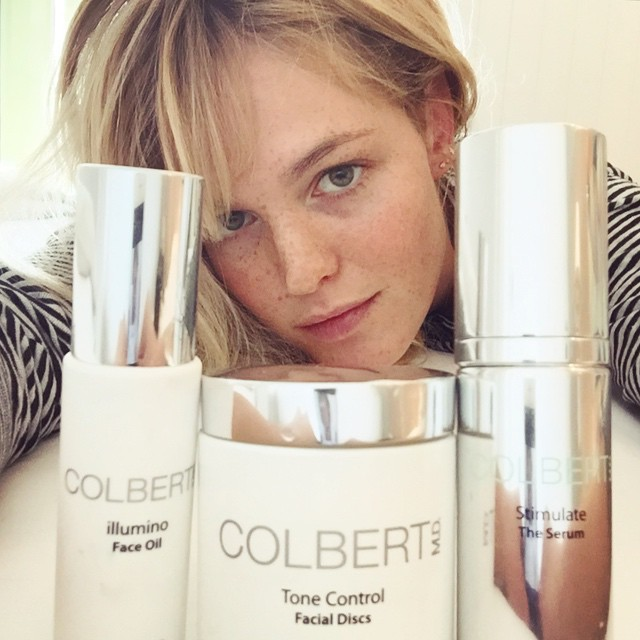 Arrived in #Sydney with lost luggage- and it's #MBFWA?No Problem! Have my triple threat #beauty #essentials in my purse! #illuminofaceoil #tonecontrolfacialdiscs #stimulatetheserum Love you x3 #ColbertMD