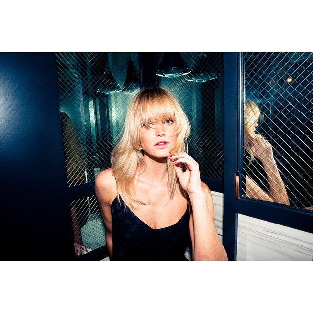 Never had more fun - or company - in my powder room Thank you @thecoveteur for coming over and spicing up my life
